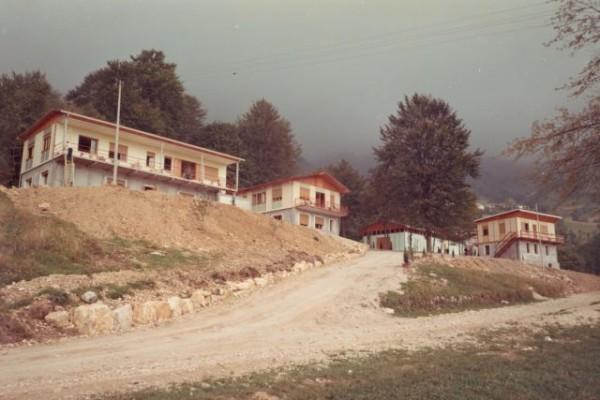 1967, estate - costruzione villaggio a Bosco F