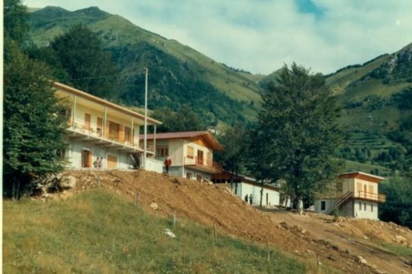 1967, estate - costruzione villaggio a Bosco H