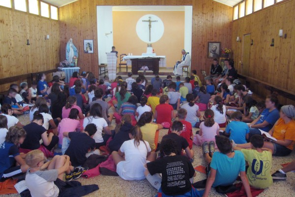 chiesa palestra area attività riunione